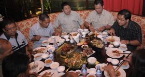 , Berpetualang Rasa Chinese Food Ala Hotel, Jurnal Suzannita
