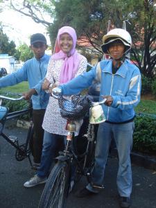 , Naik Sepeda Tua Ke Titik Nol Indonesia, Jurnal Suzannita