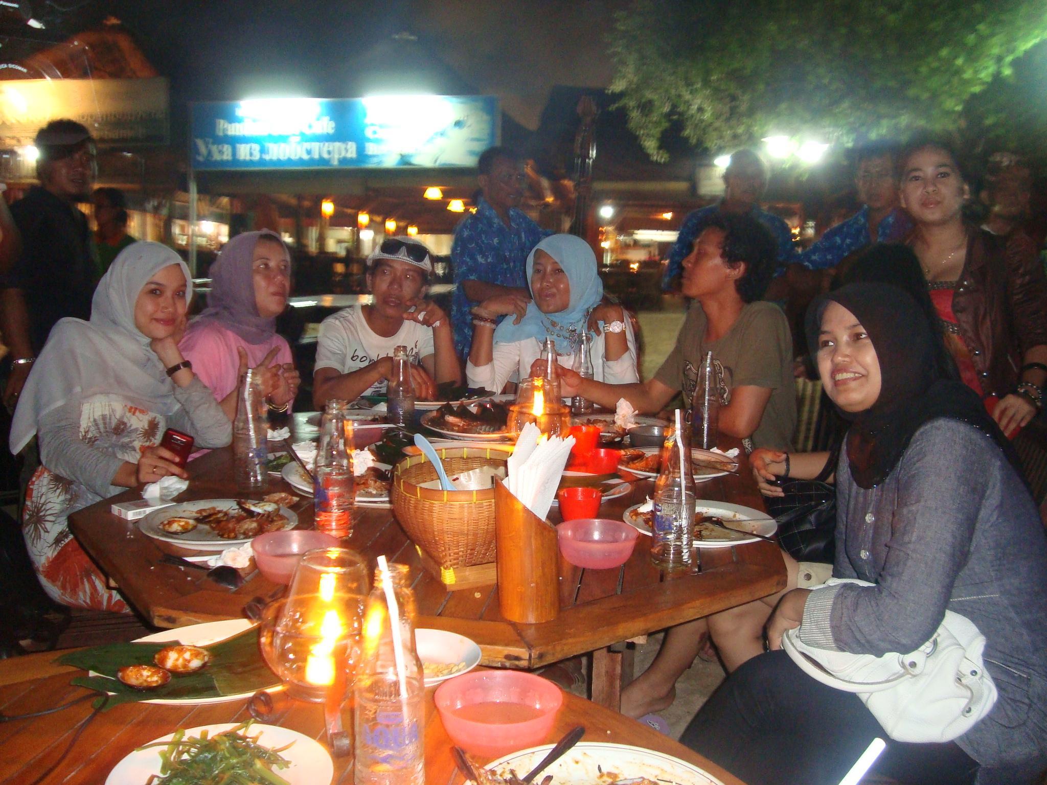 , Makan Malam Romantis di Jimbaran, Jurnal Suzannita